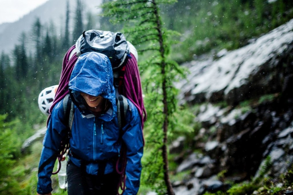 hiking_in_the_rain_archer_outdoor_gear.jpg