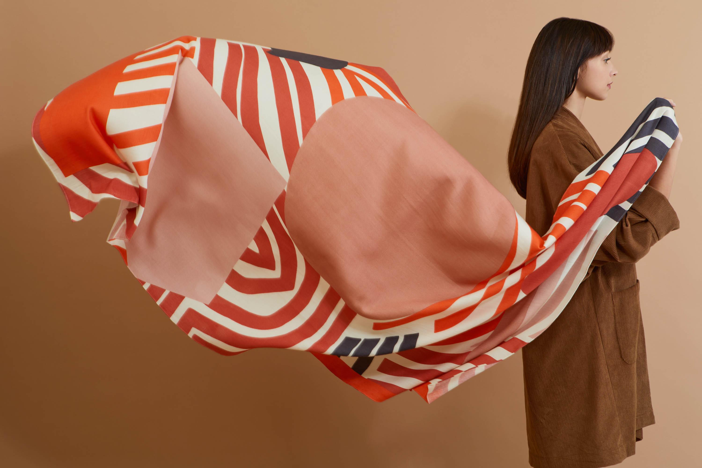 s-onirique-44-corail-foulard-mapoesie-web.jpg