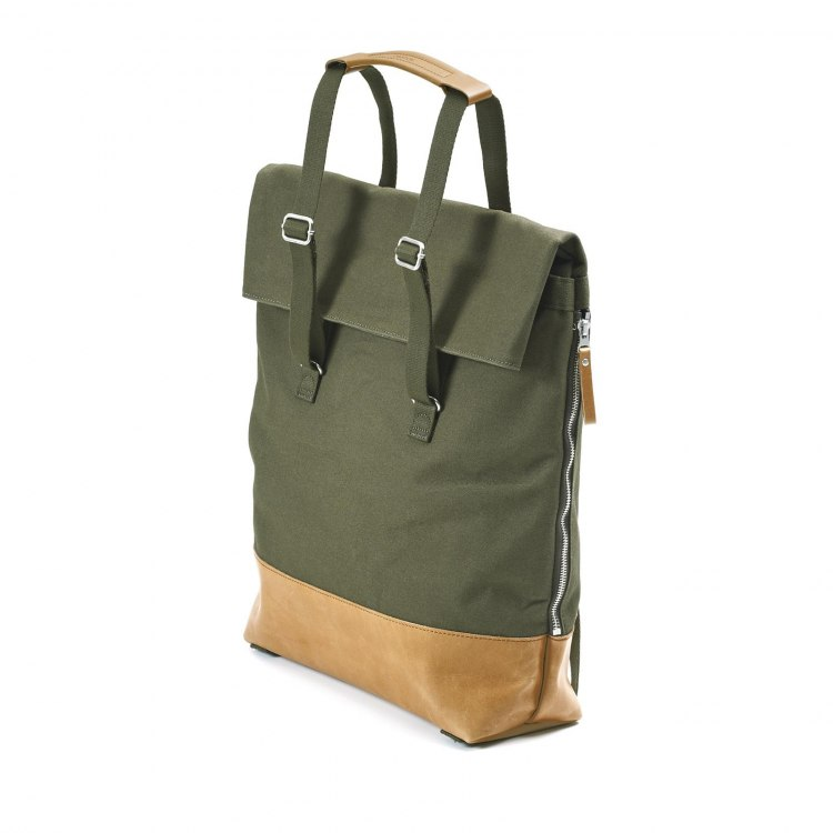 qwstion-day_tote-organic_forest_leather_3d.jpg