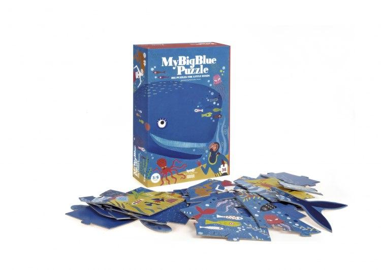 pz335_my_big_blue_caixa_peces.jpg