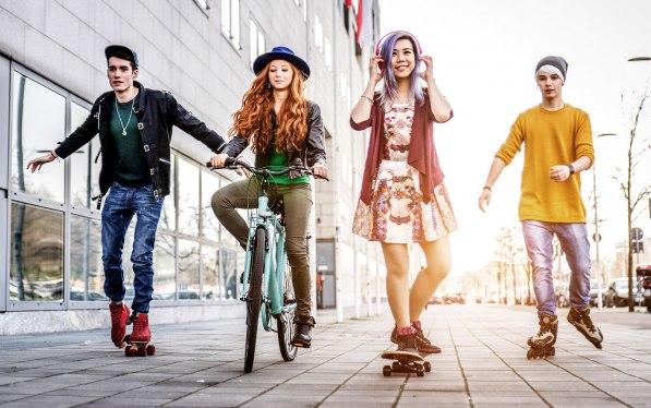 210763-2187x1371-group-of-teens.jpg