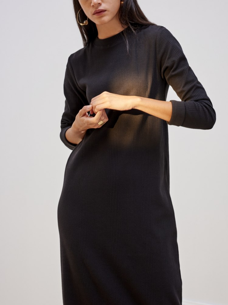 rib_long_sleeve_dress_black_0101.jpg