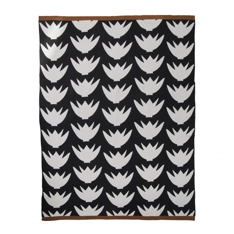 original-2138-3_blanket-lovely-lotus-black_3939.jpg
