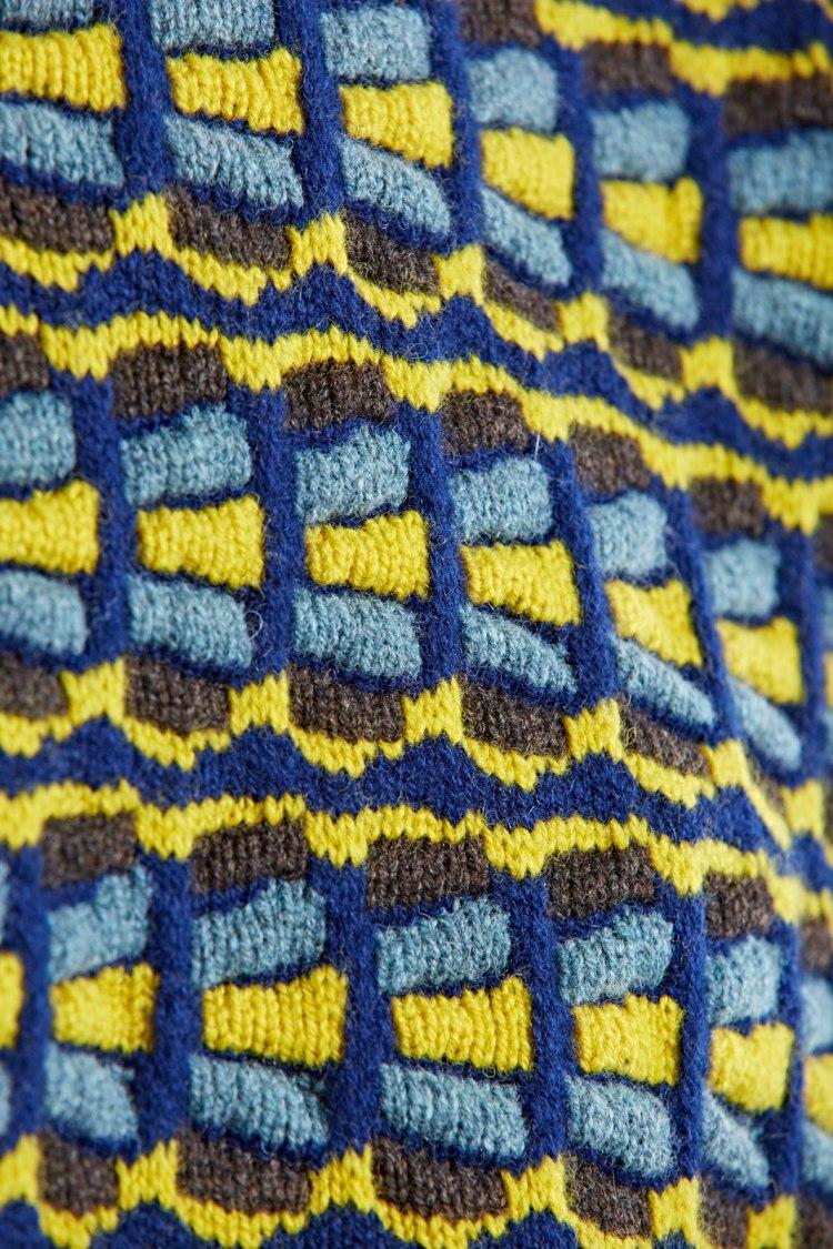 svi_yellow_detail3.jpg