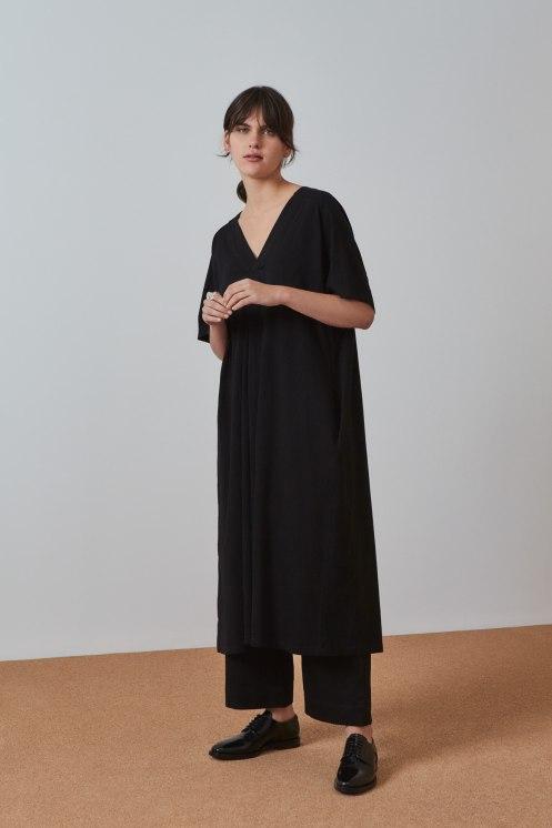 bb-pleat-dress_black_4631.jpg