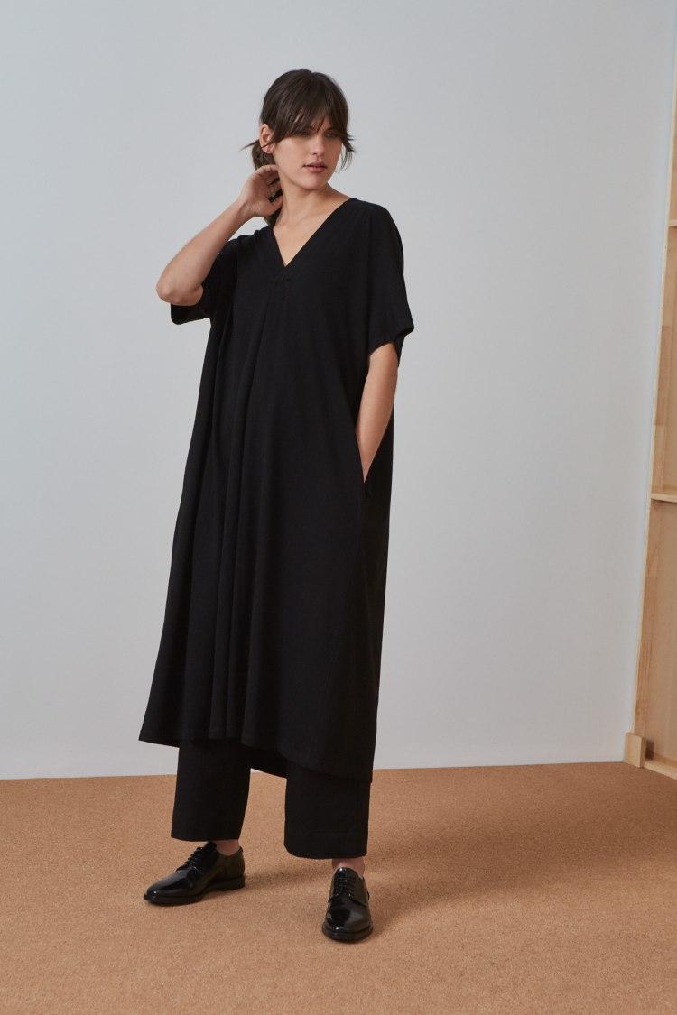 bb-pleat-dress_black_4621.jpg