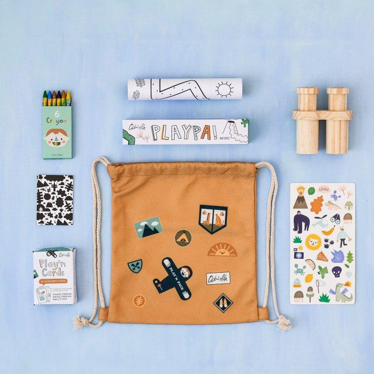 oe-playnpackjungle-flatlay2.jpg