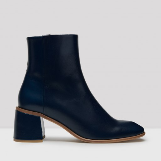 eeight-stina-blue-boots.jpg