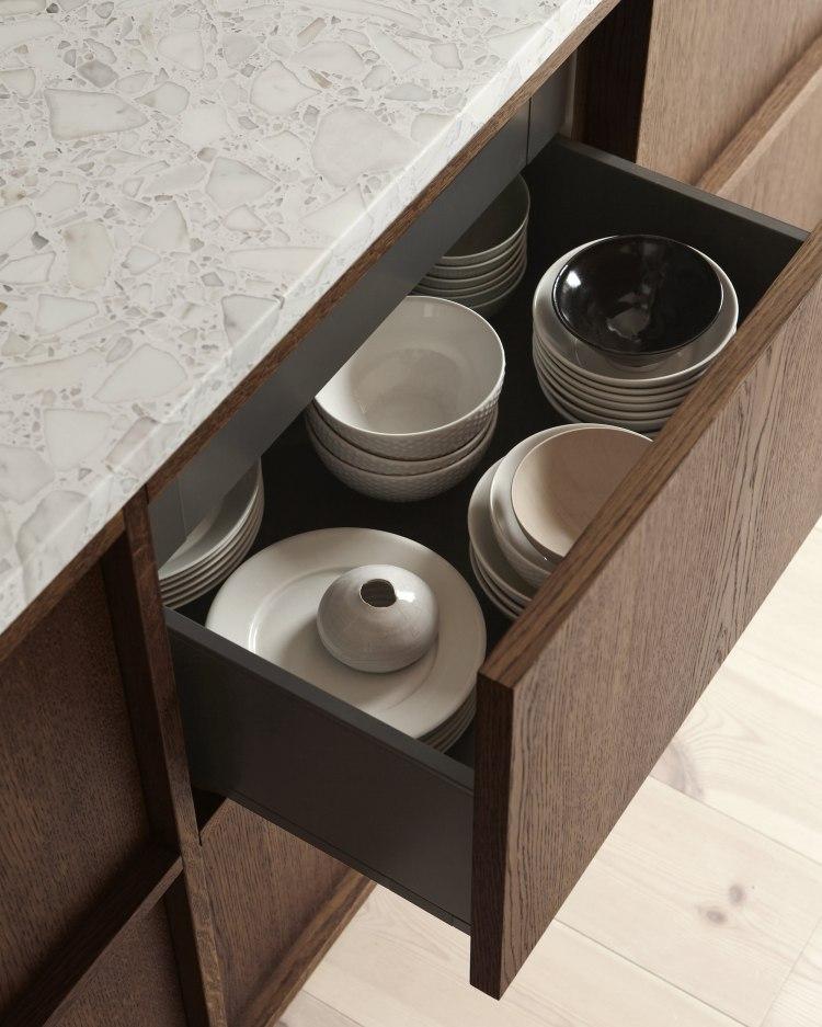 kitchenlivingde_gestalten_book_wohnliche_kuchen_design_interior_mood7_12644423-7faf-4ac8-9bbf-77439ee13822_2000x.jpg