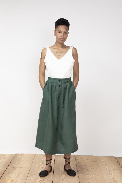 jf_ss20_lookbook_72dpi_lurdes_skirt_pinegreen_playa_top_white_01.jpg